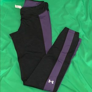 Sz small UA cold gear cozy leggings
